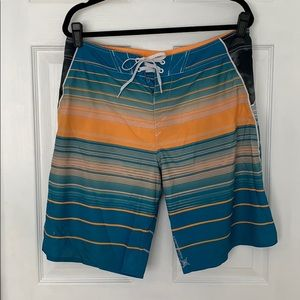 Men's Oakley board shorts 34